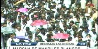 Movilización. Médicos exigen anular decreto que regula las ocho horas de trabajo