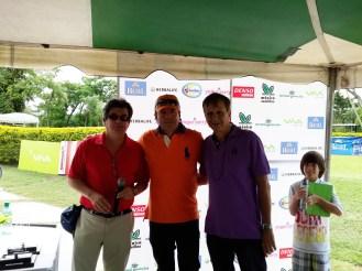 Alberto Landívar - capitán de golf Country Club Las Palmas, Richard Cadario - presidente de la Federación de Golf y Jeffer Bowles - presidente del Country Club Las Palmas