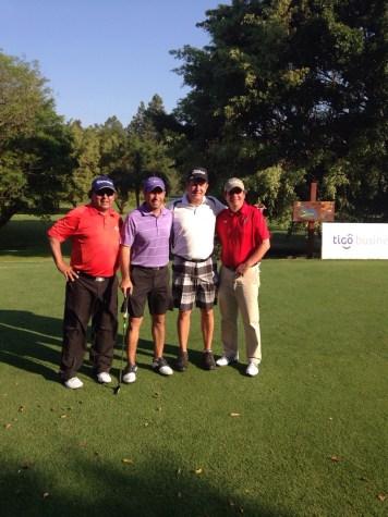 Mario Herrera, Jorge Justiniano (Cap. Golf del CCLP), Alberto Landívar y Mauricio Molina (Argentina)