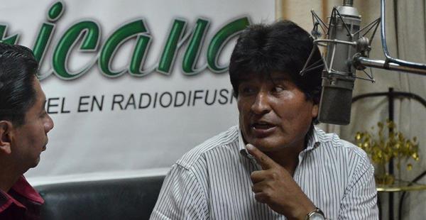 denuncia por influencias el presidente dice que eeuu está detrás de la denuncia de carlos valverde Evo Morales sostuvo ayer una extensa entrevista con radio Panamericana en La Paz