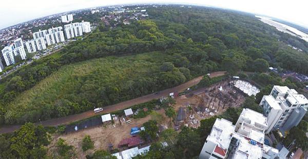 área de protección ecologistas denuncian que este humedal está amenazado Esta imagen muestra el área depredada en el curichi La Madre y sus alrededores