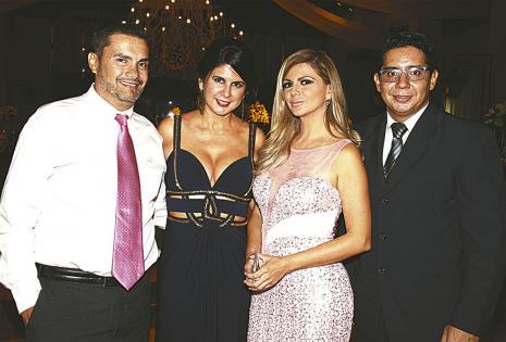 Sergio Urquidi, Rosa María Flores, Mariel Flores y Carlos Jiménez