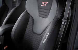 Ford-Fiesta-ST200-10