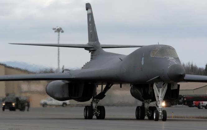 Avión militar estadounidense aterrizó en Bolivia para entrenamiento