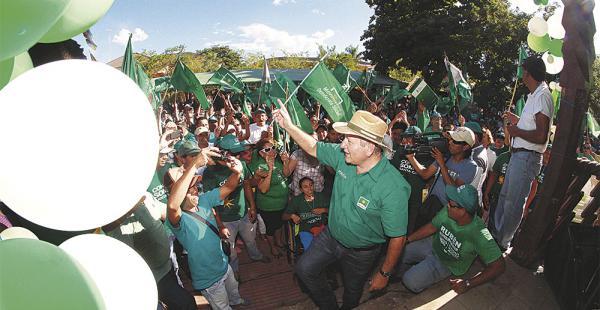 El líder demócrata, Rubén Costas, tiene aceptación en la capital cruceña y en las provincias, pero ya no puede ser candidato a gobernador cruceño