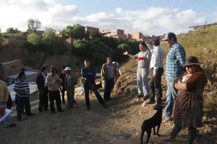 INSPECCIÓN. La visita de las autoridades municipales a la zona de Kollpa tok'o, Distrito 2.