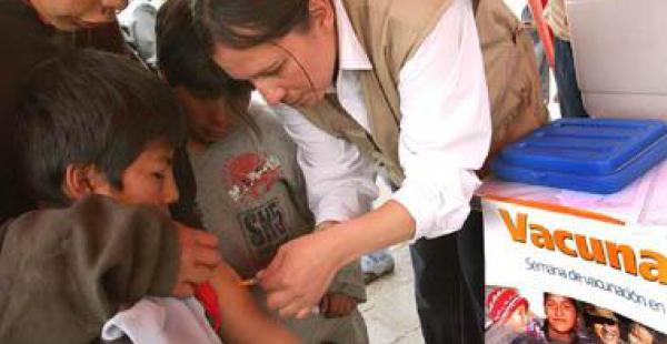 El sistema de salud boliviano se queda atrás en comparación con el de otros países de la región, según la OIT
