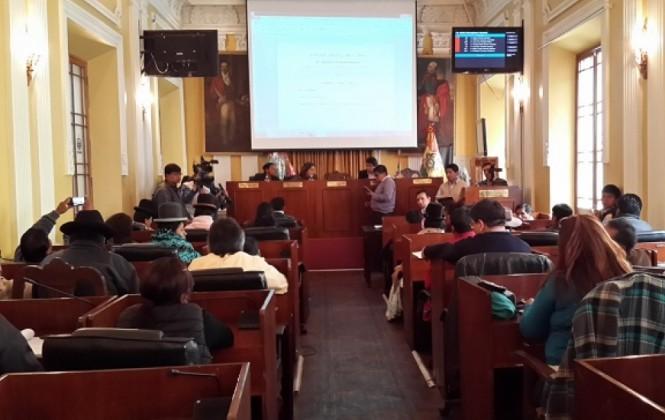 Comisión legislativa denuncia irregularidades de la Fiscalía y pide mantener la suspensión de Marín Sandoval
