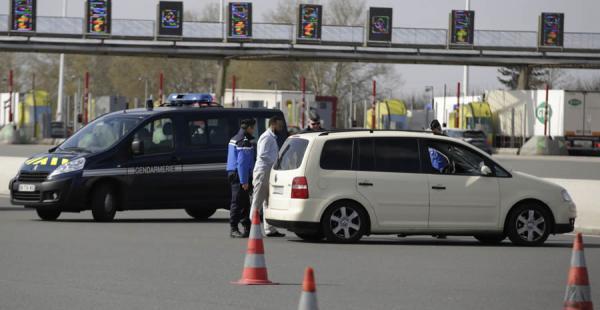 Las explosiones se produjeron casi de forma simultánea en el aeropuerto y en el metr