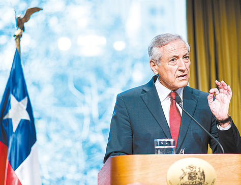 Autoridad. El canciller chileno, Heraldo Muñoz, en la conferencia de prensa que brindó ayer en Santiago.