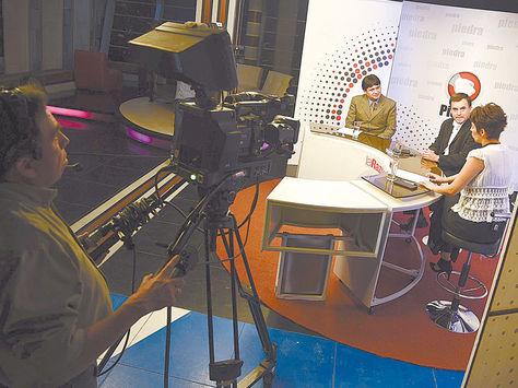 La Paz. El Ministro de la Presidencia es entrevistado en el programa 'Piedra, papel y tinta' de La Razón.