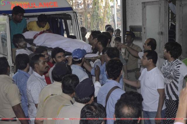 Pratyusha-Banerjee-Funeral-Photo-Gallery-6