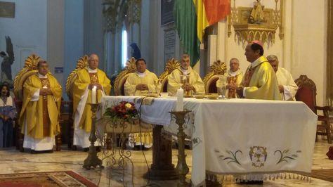 Mons. Ricardo Centellas, en la Catedral de Cochabamba: Foto, Conferencia Episcopal Boliviana (CEB).