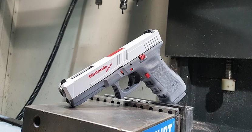 Imagen de la Nintendo Glock Zapper de 9mm