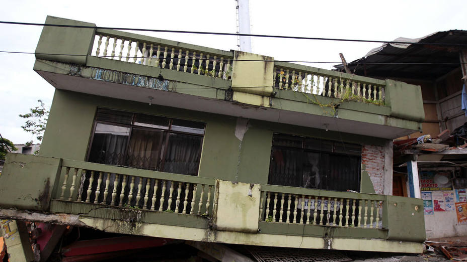 Casas destruidas por el terremoto en Ecuador (Efe)