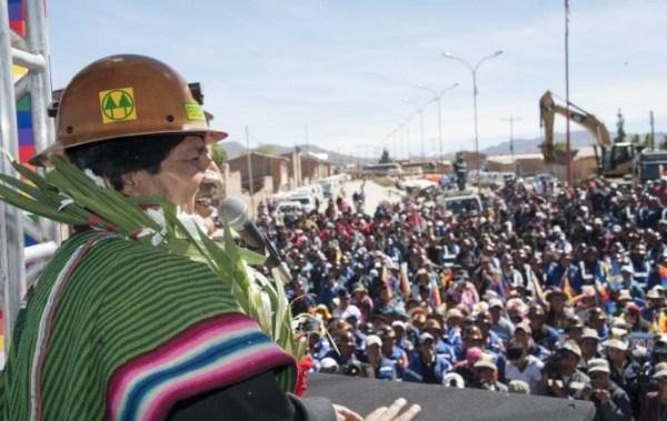 Presidente reconoce que dirigentes sindicales extorsionan a empresas