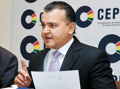 Conferencia. Ronald Nostas leyó ayer el comunicado de la CEPB.