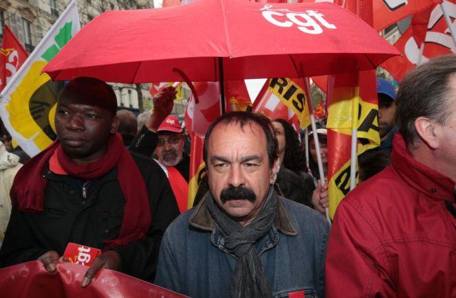 Philippe Martínez, secretario general del sindicato francés CGT en un momento de la manifestación contra las propuestas de las reformas laborales del gobierno frances en París. JOEL SAGET (AFP)