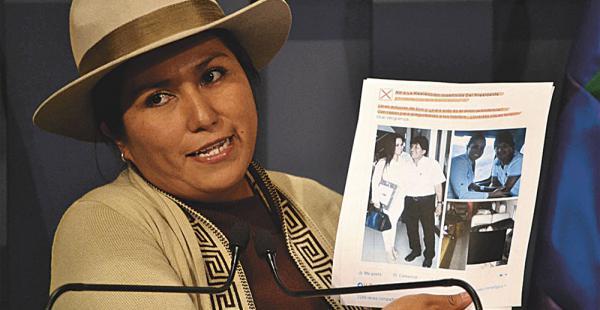 La ministra de Comunicación, Marianela Paco, delineó las políticas de la dirección de redes sociales