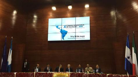 El presidente en ejercicio Álvaro García clasura X Cumbre Hemisférica de Alcaldes
