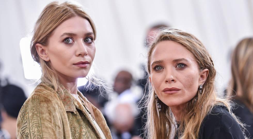 Mary-Kate Olsen y, a la derecha, Ashley en la gala del MET 2016.