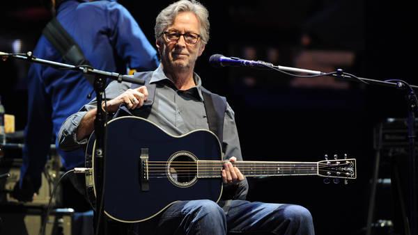 Clapton aseguró a la revista Classic Rock que los dolores empezaron como