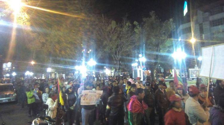 La marcha en la ciudad de La Paz. Fotos tomadas del Facebook de Grisel Flores. 