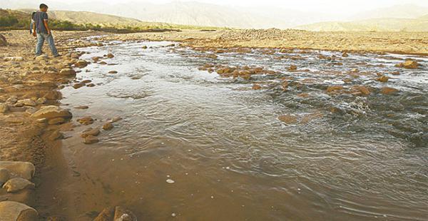 La contaminación del río Pilcomayo redujo la cantidad y el tamaño de los peces.