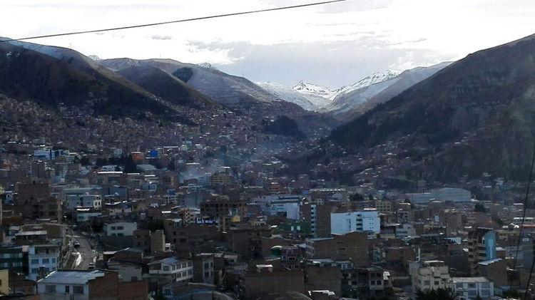 Así amanece La Paz después de la fuerte nevada. Foto: Rubén Ariñez.