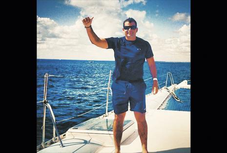 Está como para acompañarlo a darse un chapuzón en el mar. Wálter Tarradelles tiene 33 años y es empresario