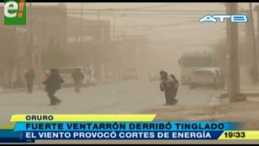 Fuertes vientos causan destrozos en Oruro