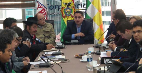 Santa Cruz y Chuquisaca escuchan el informe final sobre la consultoría del campo Incahuasi