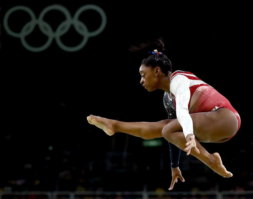 Simone Biles, durante la final por equipos de gimnasia artística.