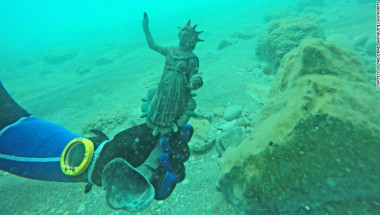 160516164021-shipwreck-israel-sculpture-exlarge-169