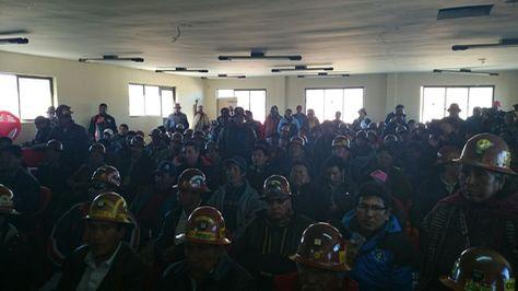 Un ampliado de los mineros cooperativistas en Oruro. Foto: Juan Mejía