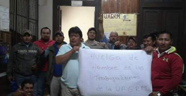 la protesta de los trabajadores en el Rectorado