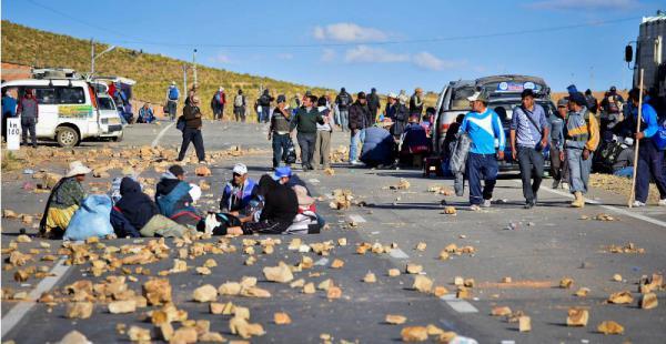 Bloqueo en la carretera Oruro- La Paz
