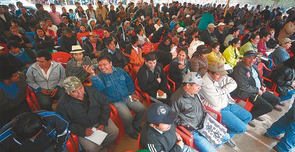 Representantes de 32 comunidades guaraníes que conforman Charagua norte se presentaron para votar