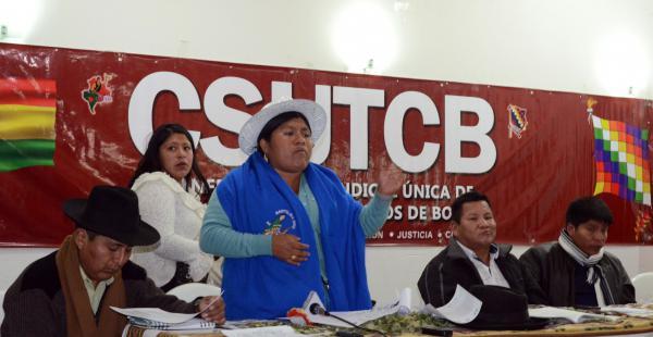 Las organizaciones sociales afines al Gobierno se reunieron de emergencia ante el conflicto entre los cooperativistas y el Gobierno.
