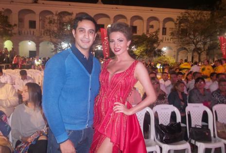 Rodrigo Antezana y Valeria Saucedo (reina del Carnaval 2016)