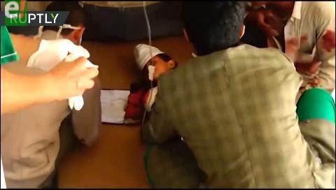 Difunden fuertes imágenes de niños yemeníes muertos tras un supuesto ataque aéreo contra un colegio
