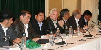 Rubén Costas propone tratar con celeridad el Pacto Fiscal