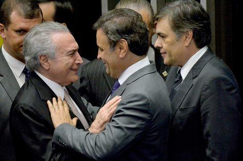 El nuevo presidente de Brasil, Michel Temer, habla en una reunión de ministros hoy, miércoles 31 de agosto de 2016, en Brasilia (Brasil) tras su juramento en el cargo y después de la destitución de la mandataria Dilma Rousseff. Foto: EFE