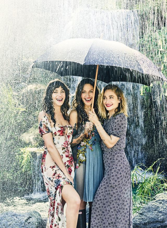 Lola, Domino y Jemima Kirke.