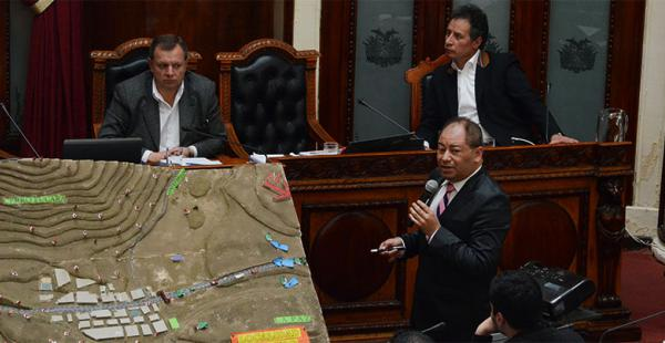 El ministro Carlos Romero compareció en días pasados ante la Asamblea Plurinacional y de ella salió airoso