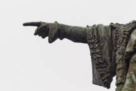El dedo de Colón, de más de medio metro de largo, en primer plano.