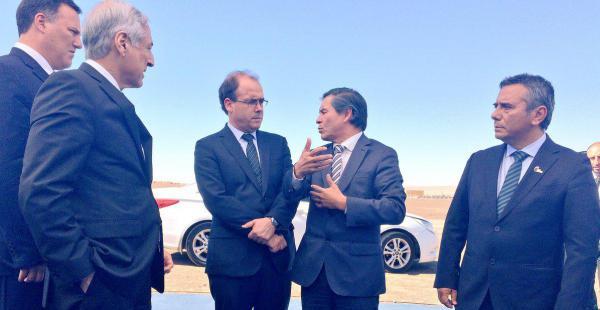 Una comitiva paraguaya llegó hasta los puertos chilenos para ver la construcción de una zona franca.