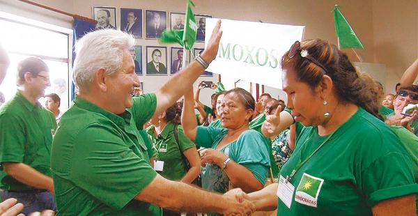 Rubén Costas asistió al Congreso de los demócratas de Beni para elegir a miembros del Comité Ejecutivo