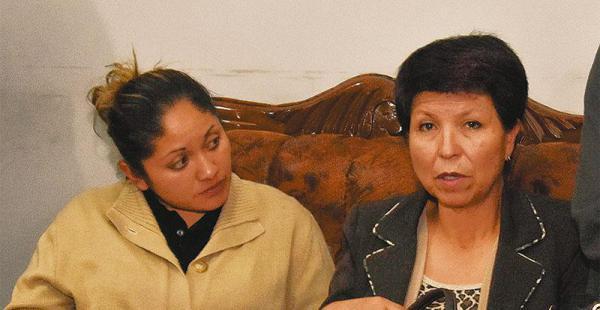 Los familiares del coronel Araníbar estuvieron en la Fiscalía