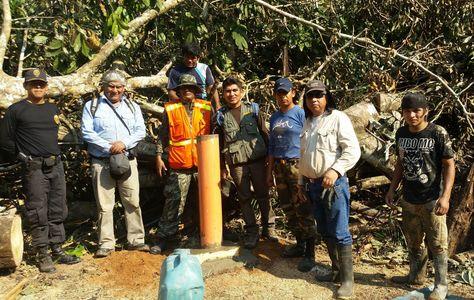 El quipo binacional boliviano-peruano que emplazó nuevas demarcaciones en la frontera internacional de Pando.